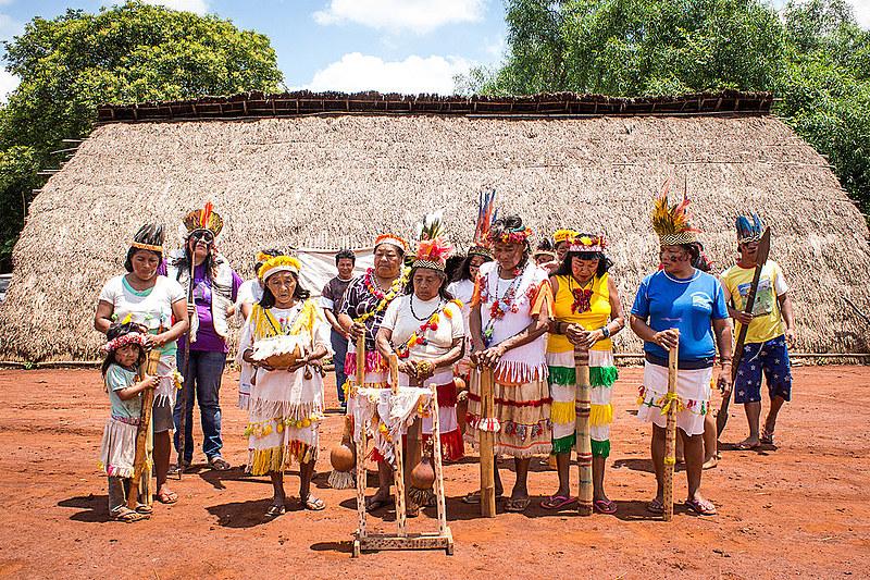 """""""Os pastores usam as igrejas como um instrumento para impedir e desorganizar uma estrutura tradicional dos kaiowás"""", diz historiador"""