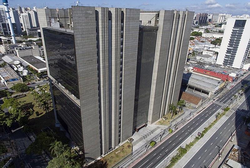 Prédio fica na Barra Funda, região central de São Paulo. Obras foram iniciadas em 1992 e inauguração ocorreu em 2004