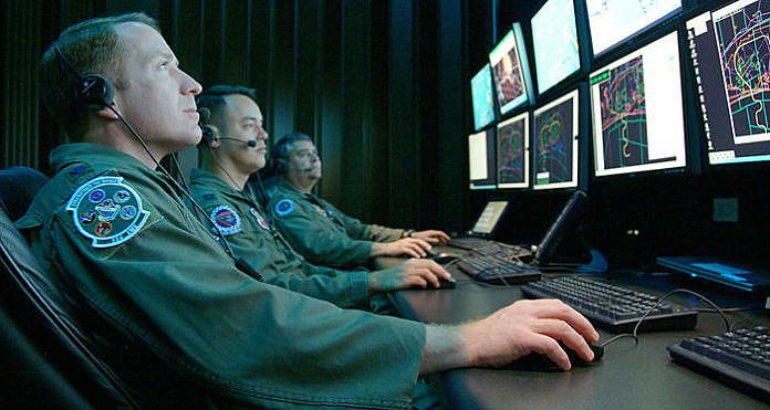 Presidente dos Estados Unidos, Barack Obama, assinou na última sexta-feira (23) a Lei de Autorização de Defesa Nacional para o próximo ano