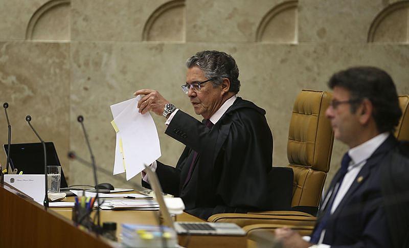 O ministro Marco Aurélio Mello durante julgamento no plenário do STF