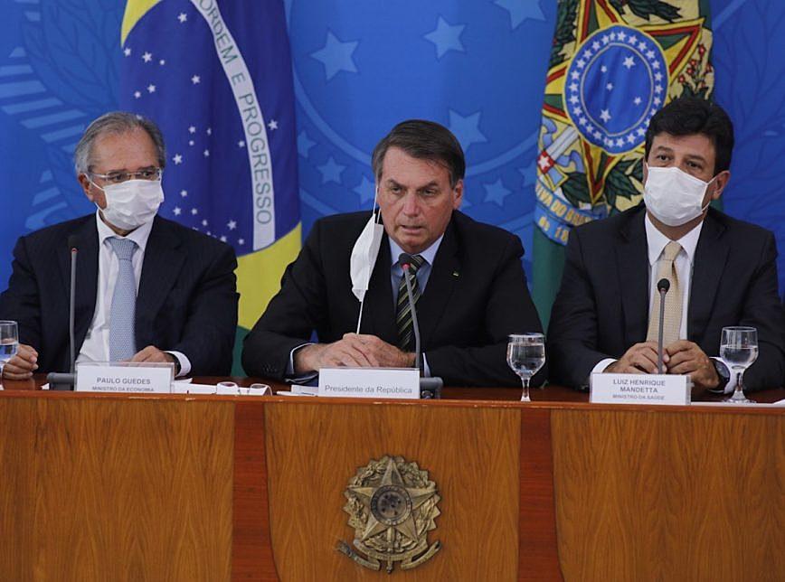 Deputados do Psol apresentam impeachment