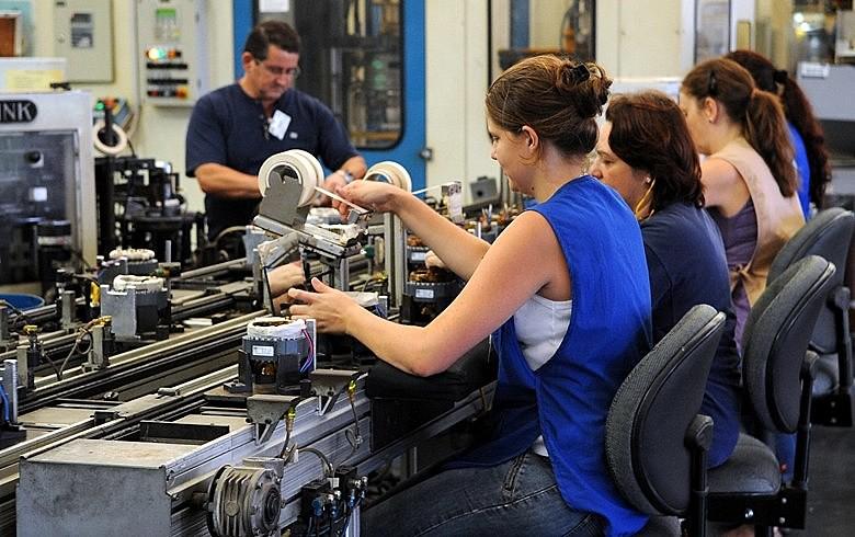 Em 2016, a ocupação caiu 3,8% para as mulheres (menos 167 mil postos de trabalho)