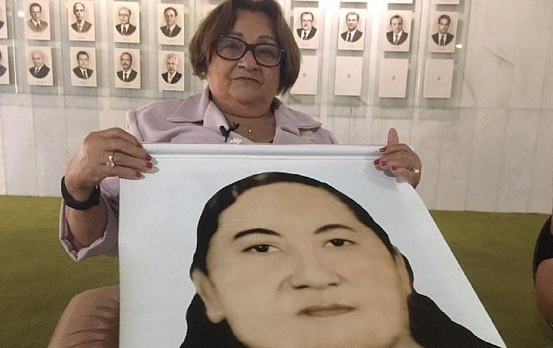 Poeta e escritora escreveu o cordel A Morte de Margarida, sobre a amiga e companheira de lutas Margarida Alves