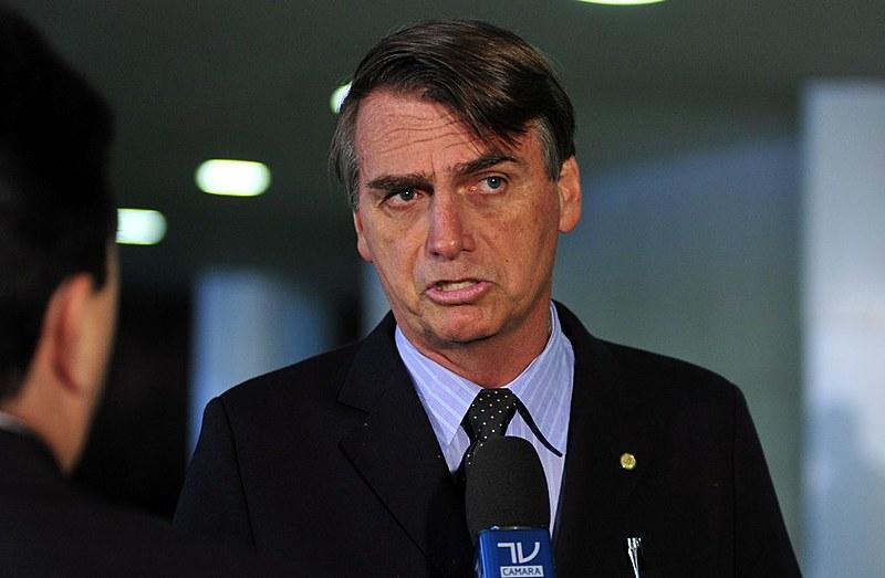 """""""A candidatura de Jair Bolsonaro representa uma ameaça franca ao nosso patrimônio civilizatório primordial"""", diz o texto"""
