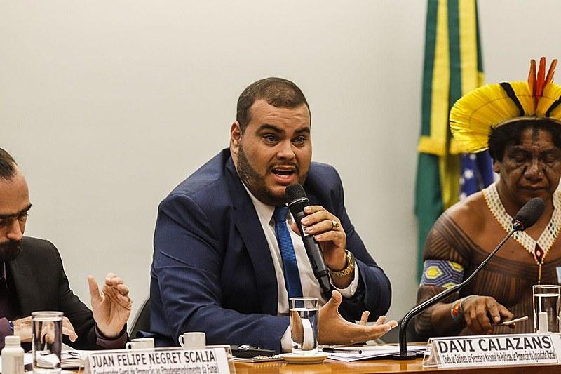 Chefe de gabinete da Secretaria Nacional de Políticas de Promoção da Igualdade Racial, Davi Calazans, durante audiência na Câmara