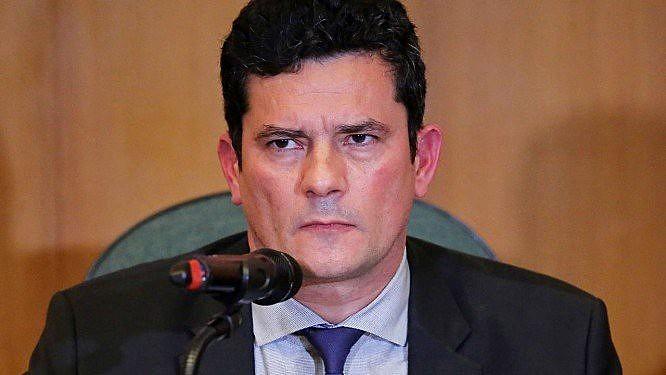 Em 2016, Moro tornou públicos telefonemas grampeados de Lula e Dilma Rousseff, poucos dias das mobilizações em favor do impeachment de Dilma