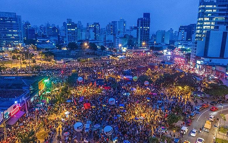 Centrais fizeram greve nacional de impacto em abril de 2017; agora, querem repetir a dose contra Bolsonaro
