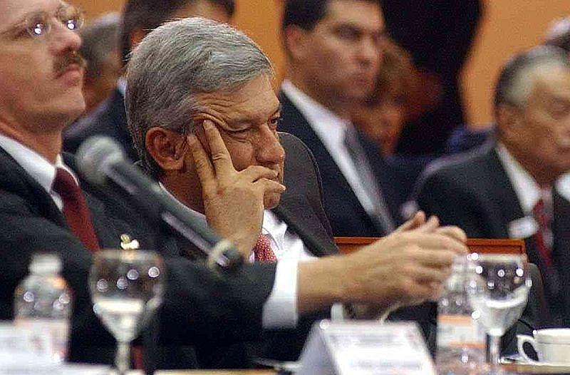"""""""O propósito mais essencial de meu governo é que os mexicanos não tenham que migrar por pobreza ou violência"""", disse AMLO"""