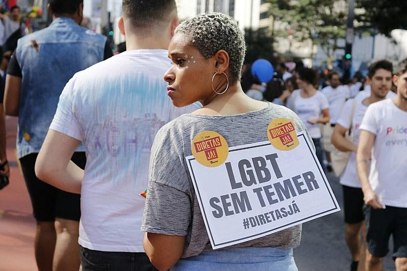 Cartaz pelas Diretas Já na Parada LGBT de 2017