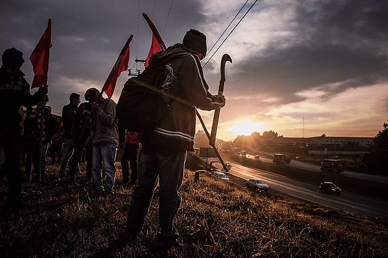 Há anos, trabalhadores sem-terra têm reivindicado a destinação de terras griladas pela madeireira Araupel para a reforma agrária