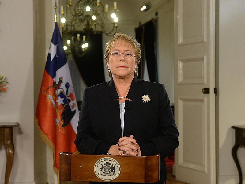 Governo de Bachelet emitiu nota desde a Suécia, onde mandatária chilena se encontra