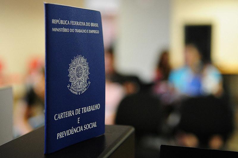 Atualmente, 13,8 milhões de brasileiros estão desempregados