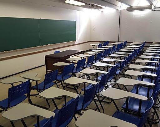 Instituições informam demanda reprimida e afirmam que falta de professores e técnicos vai prejudicar o ano letivo