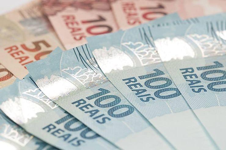 Política de valorização do salário mínimo iniciada nos governos do PT só valem até 2019