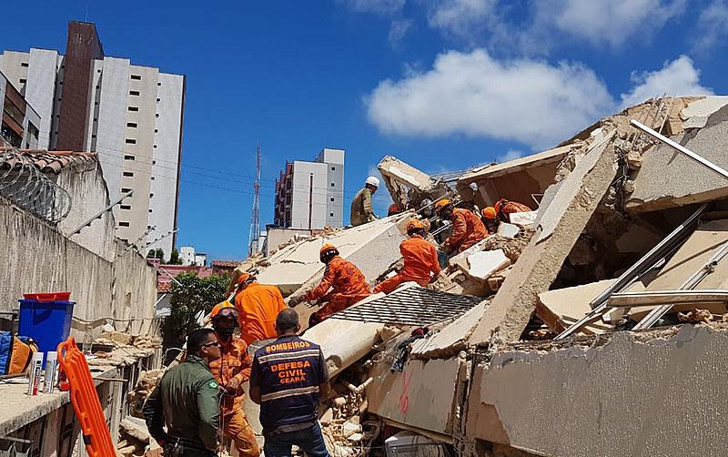 Voluntários e articulações como o Fortaleza Solidária estão realizando campanhas para prestar auxílio e recolher doações para as famílias.