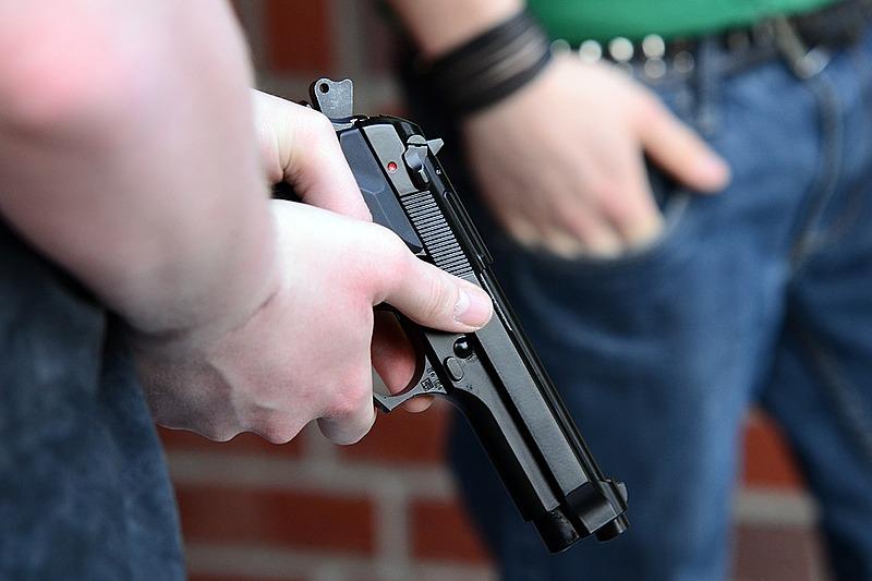 Mais de 60% dos entrevistados pelo Ibope desaprovam a posse de armas em casa.