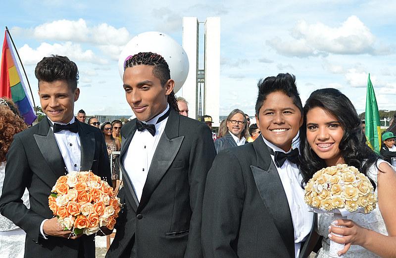 União estável e casamento são iguais para herança, incluindo homoafetivos