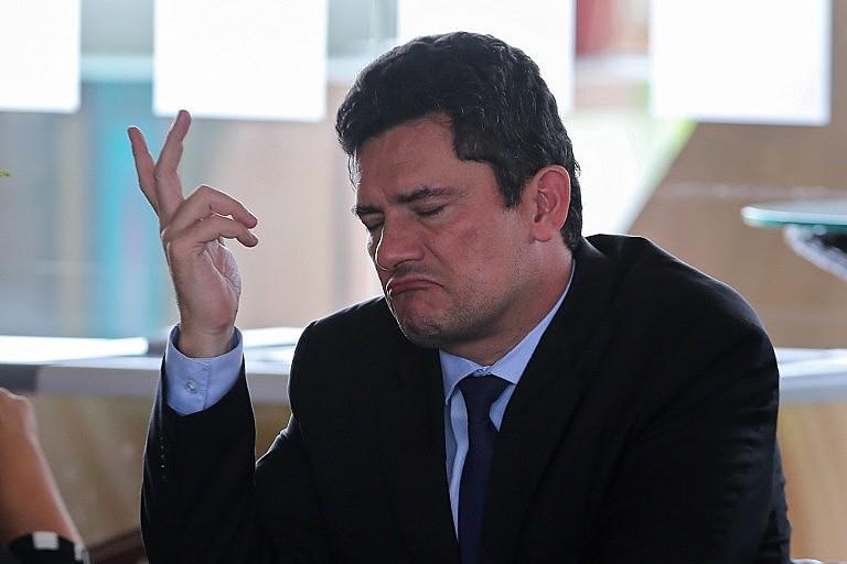 O juiz de primeira instância Sérgio Moro durante entrevista coletiva à imprensa