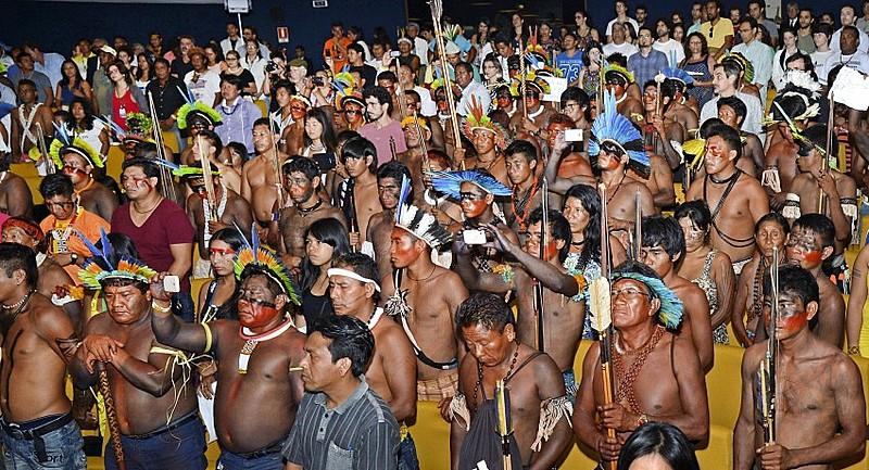 O Ministério Público Federal discute, em audiência pública, o direito à demarcação de terras indígenas.