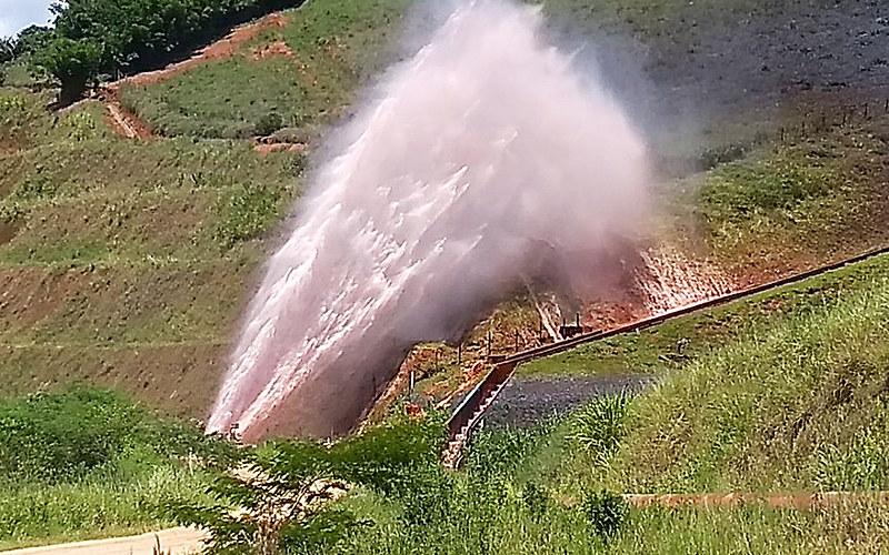 Mineroduto rompe em Minas Gerais e despeja 300 toneladas de minério de ferro em manancial