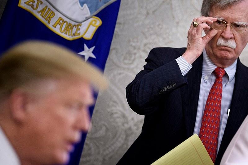Trump anunciou no Twitter a demissão de Bolton na terça-feira (10); em seguida, Bolton declarou que foi ele quem pediu demissão