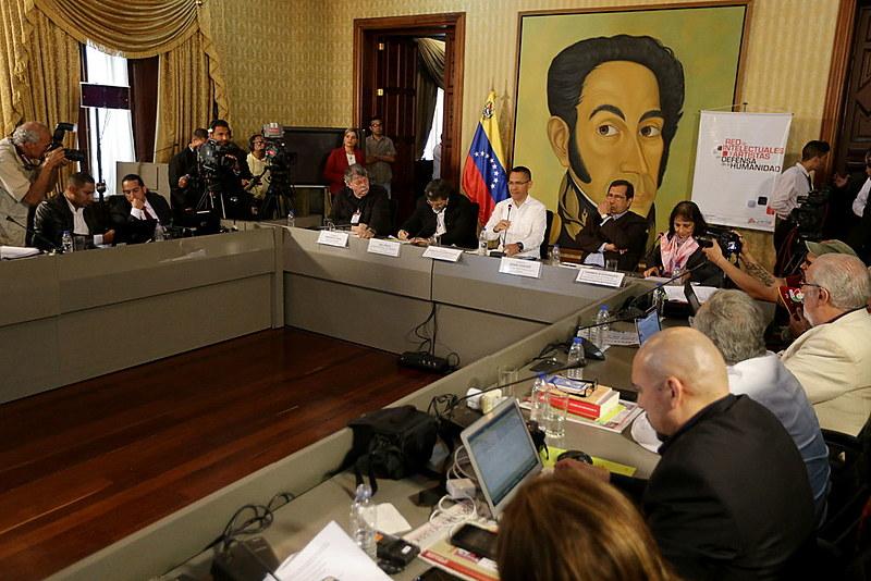 Encontro da Rede de Intelectuais Artistas e Movimentos Sociais em Defesa da Humanidade em Caracas