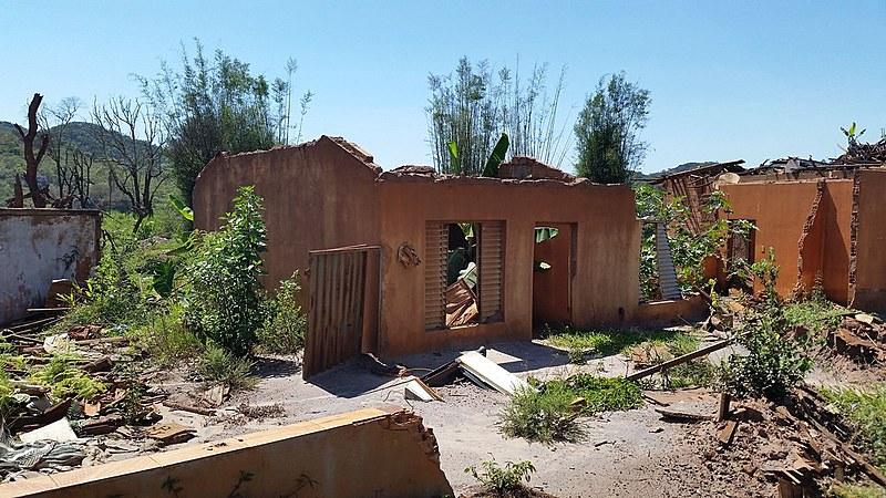 Casas de Mariana (MG), um ano após o crime socioambiental da Samarco, Vale, BHP Billiton e VogBR