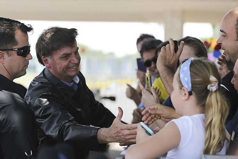 Bolsonaro governa dirigindo-se exclusivamente para sua base social, seguindo o roteiro do fascismo clássico em construir seu próprio partido