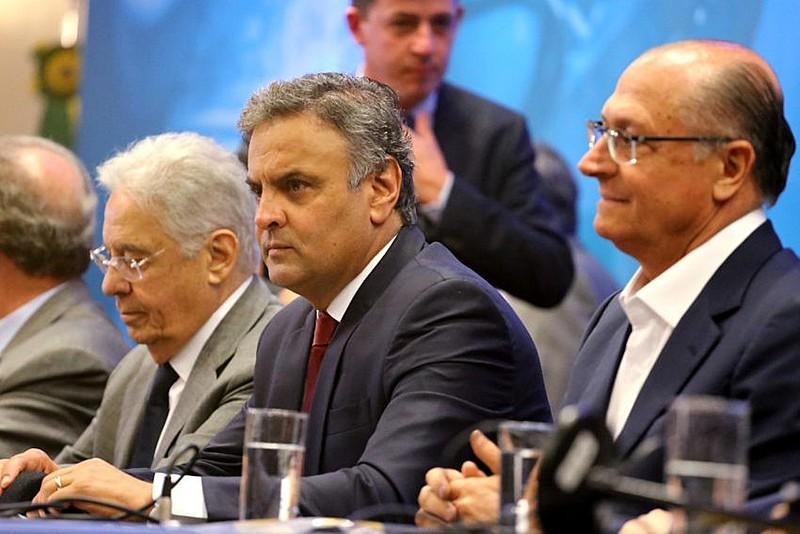 O ex-presidente Fernando Henrique Cardoso, senador Aécio Neves e o governador do estado de São Paulo, Geraldo Alckmin
