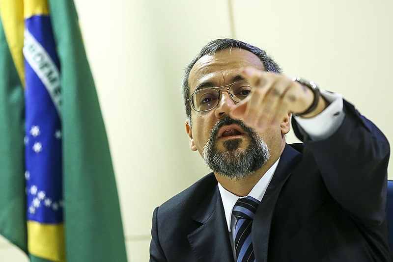 O ministro também falou que há o desenvolvimento de droga sintética, como a metanfetamina