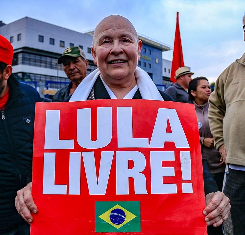 Monja budista Coen, missionária oficial da tradição Soto Shu, antes da visita ao ex-presidente Lula nesta segunda-feira (30)