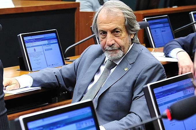 """Deputado federal Carlos Eduardo Cadoca (PDT-PE) diz que proposta corrige """"injustiça histórica"""""""
