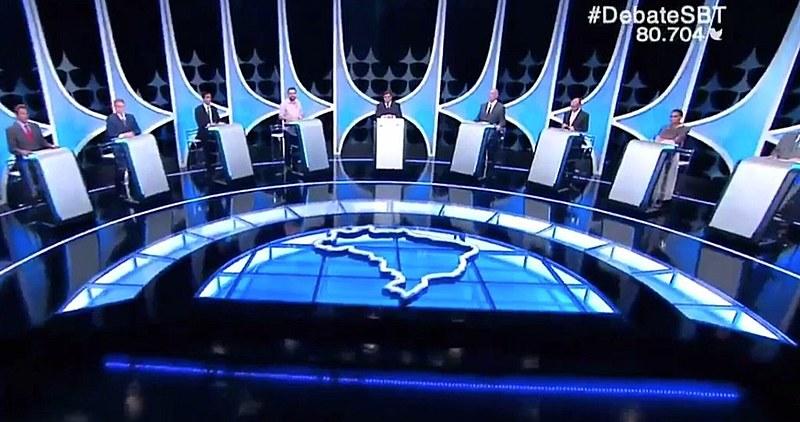 Candidatos se enfrentam no quinto debate presidencial, realizado em parceria entre o SBT, a Folha de S. Paulo e o UOL