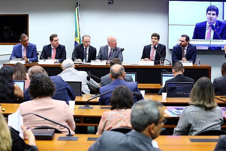 Em primeira reunião, CPI do Derramamento de Óleo elegeu presidente e relator do caso