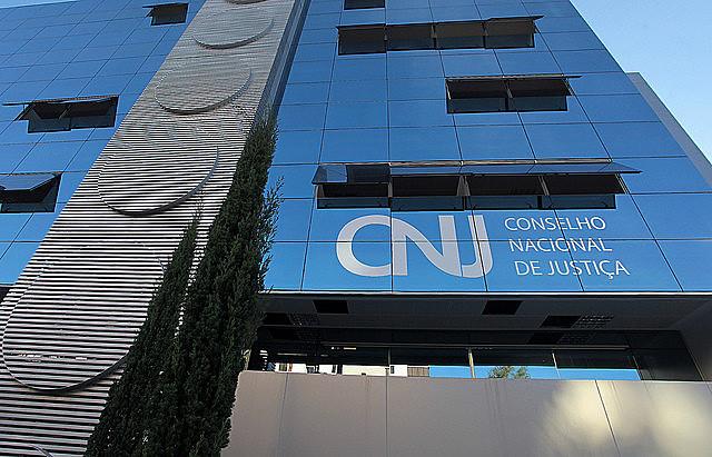 As despesas destinadas ao pagamento dos custos da academia eram de mais de R$ 5 milhões por cinco anos de vigência.