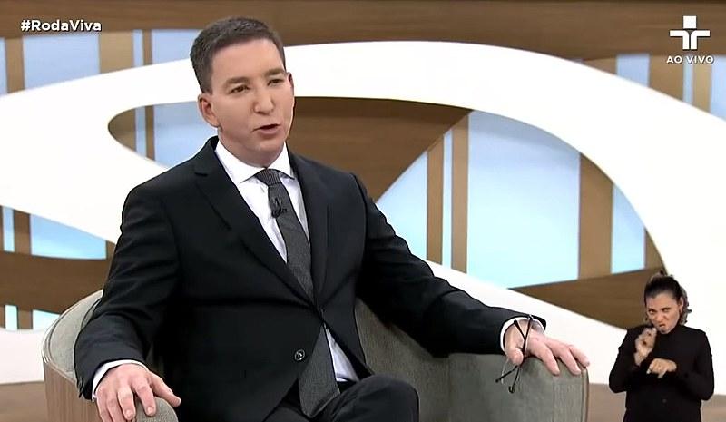 Glenn Greenwald teve que reiterar regras básicas do bom jornalismo para profissionais bisonhos
