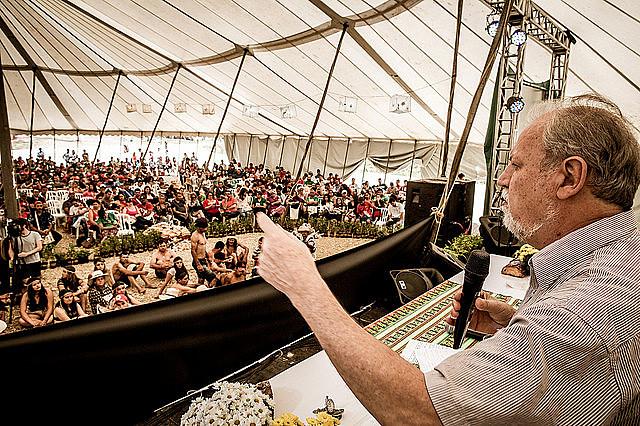 Stedile y Gleisi Hoffmann participaron de la asamblea del Frente Brasil Popular, realizada durante la décima sexta Jornada de Agroecología