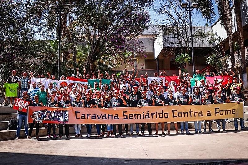 Integrantes da Caravana Semiárido Contra a Fome durante sua passagem por Belo Horizonte