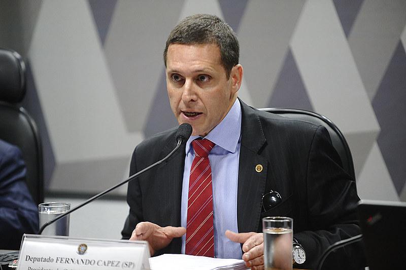 Além do cheque, um contrato de gaveta feito entre a cooperativa e outro ex-assessor de Capez, Jéter Rodrigues Pereira, também faz parte da propina