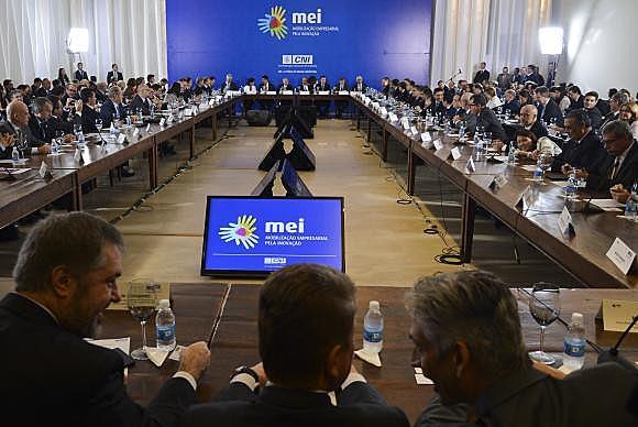 Michel Temer se reuniu com mais de 100 empresários durante duas horas na sede da Confederação Nacional da Indústria