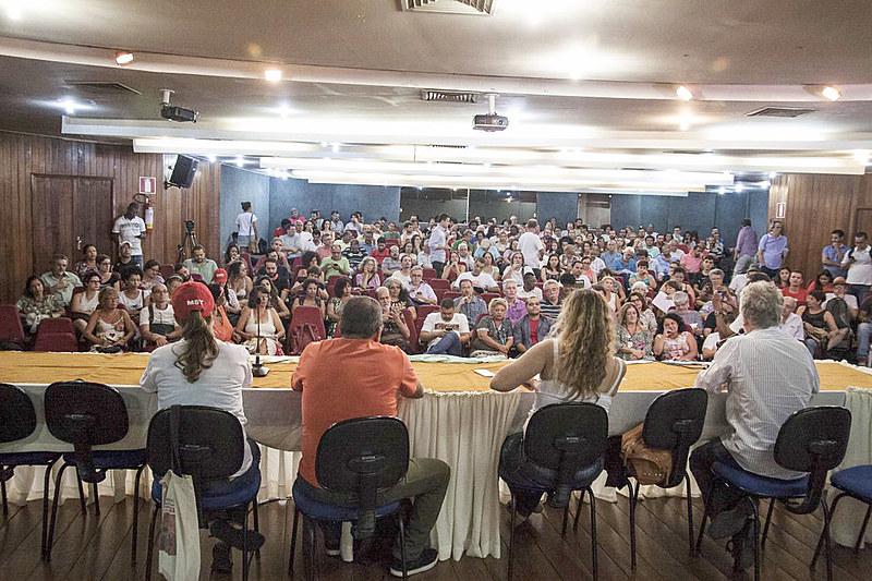 Plenária reuniu 200 pessoas na última segunda (18)