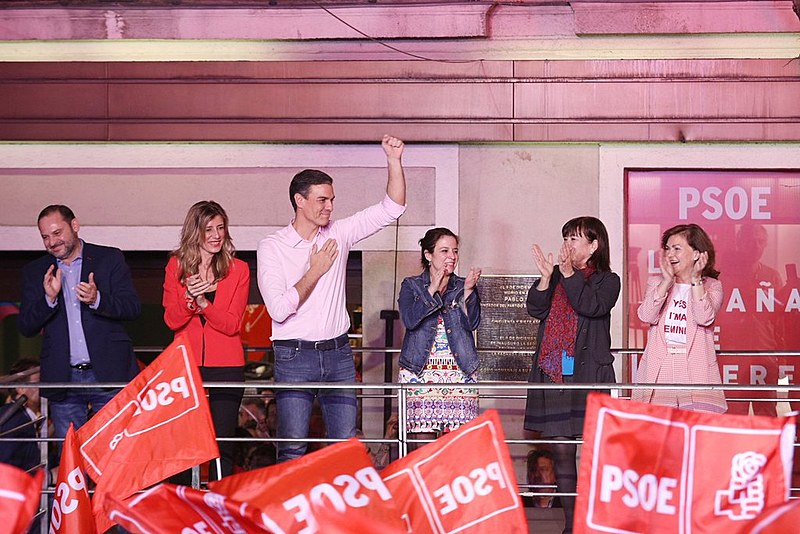 Pedro Sánchez, líder do Partido Socialista Operário Espanhol (PSOE) foi eleito primeiro-ministro da Espanha neste domingo (28)