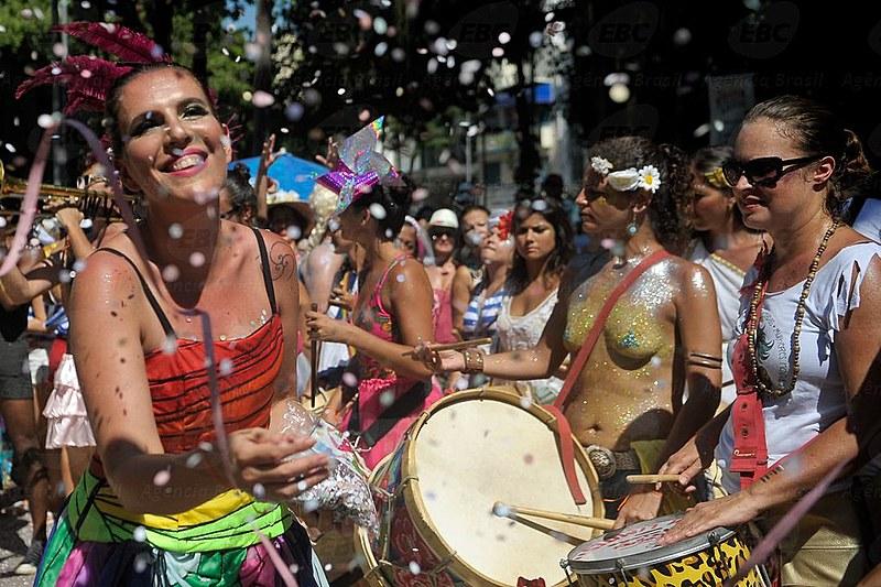 Bloco Mulheres Rodadas é um dos que politizam o carnaval destacando a necessidade de enfrentar o assédio sexual