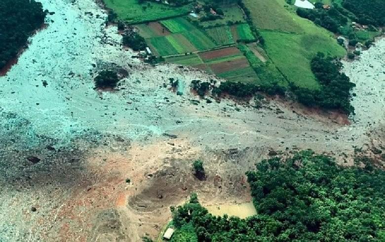 O rompimento da barragem trouxe sofrimento psíquico, destruiu o acesso à água e aos postos de saúde
