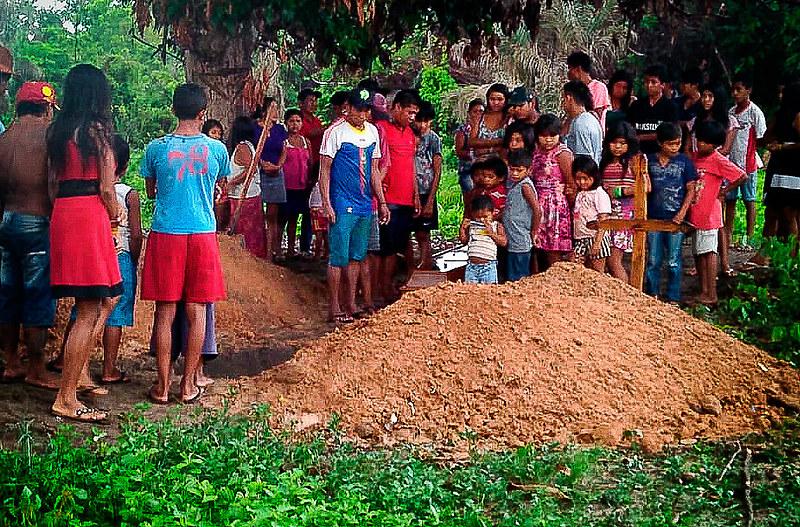 A fotografia é do sepultamento de Erisvan na Terra Indígena Arariboia