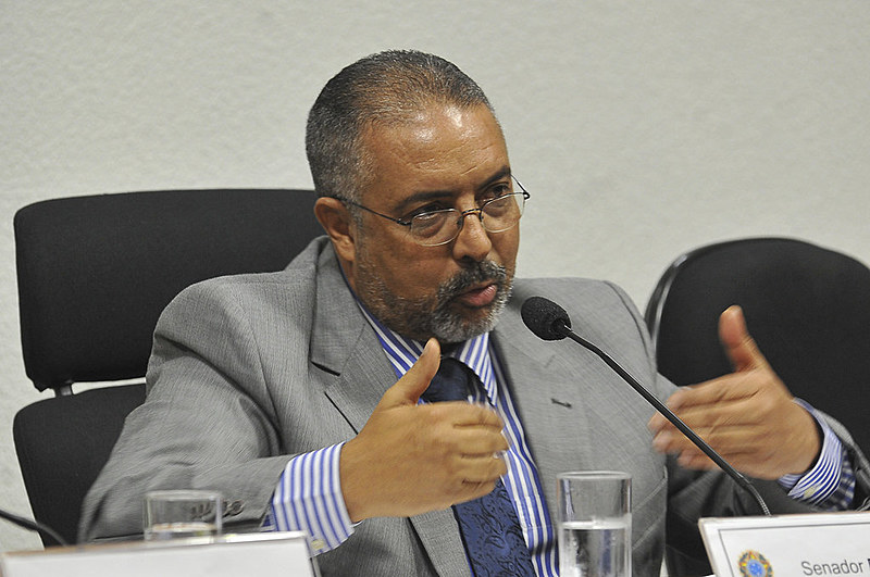 Paulo Paim (PT-RS) pede transparência no fluxo de caixa previdenciário