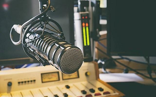 O Programa Papo Reto no Rádio é transmitido todas as quintas-feiras na rádio Paulo Freire a partir das 10h