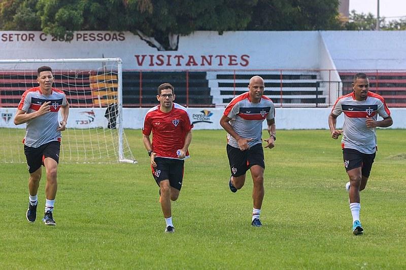 Permaneceram do elenco de 2019 apenas o goleiro Nicolas, o atacante Yago e o meia Guilherme.
