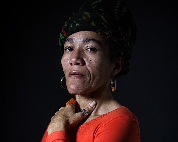 """""""Somos herdeiras das mulheres negras mais fortes e temos que ser um exemplo para mulheres negras das próximas gerações"""", afirma a historiadora"""