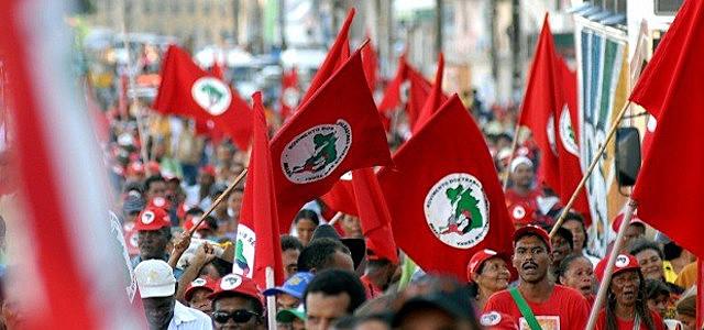 Según el dirigente del MST, sólo la movilización y la presión popular van a lograr cambiar la situación del país.